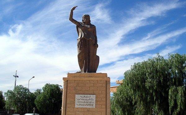 Statua di Kahina a Baghai (Algeria)