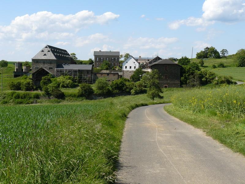 Hof Offenthal, ältester Siedlungsplatz in der Gemarkung, ehemalige preussische Staatsdomäne