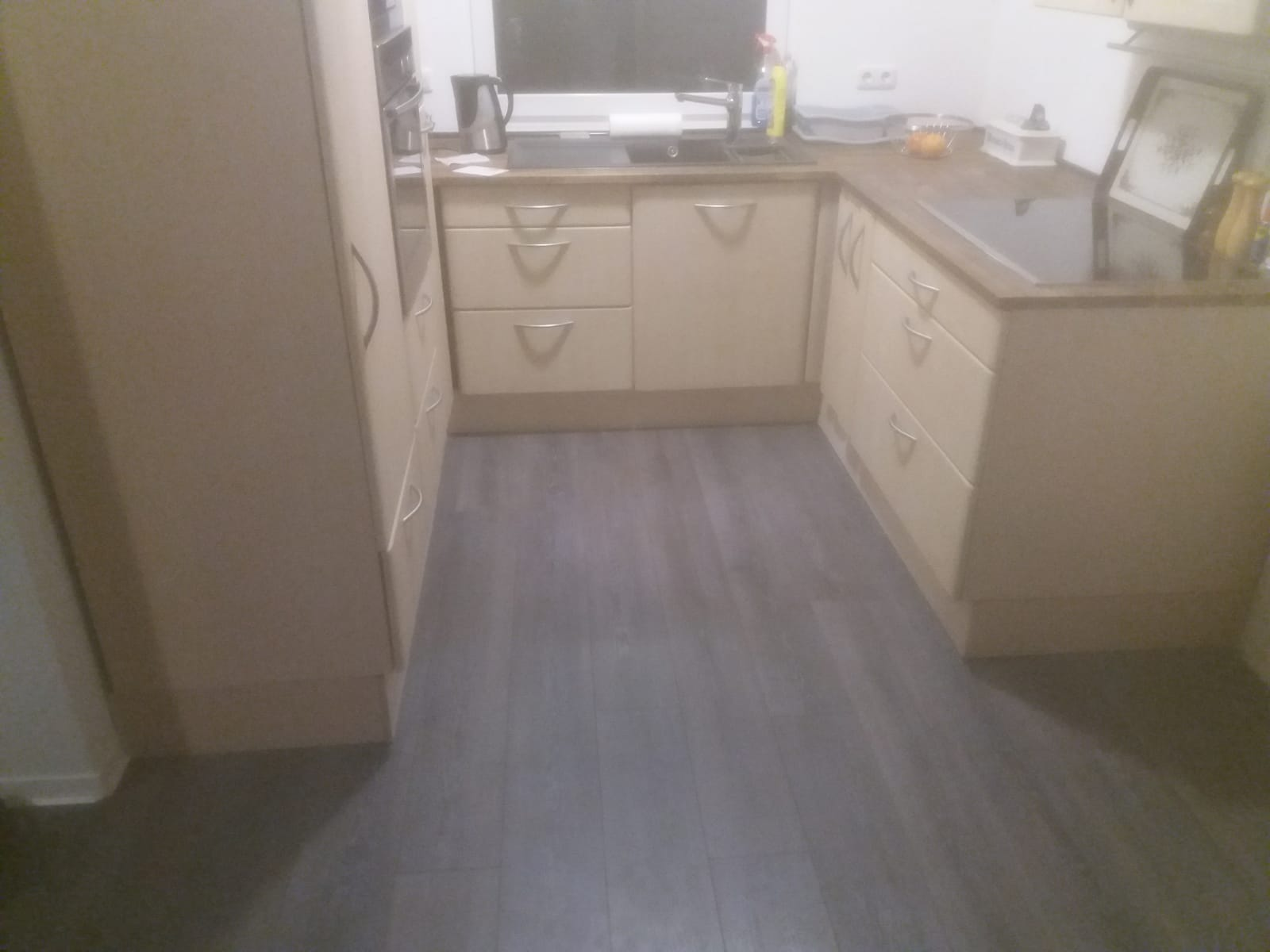 Einbau von einer geraden Küchenzeile in eine U-förmige Form , kein Problem