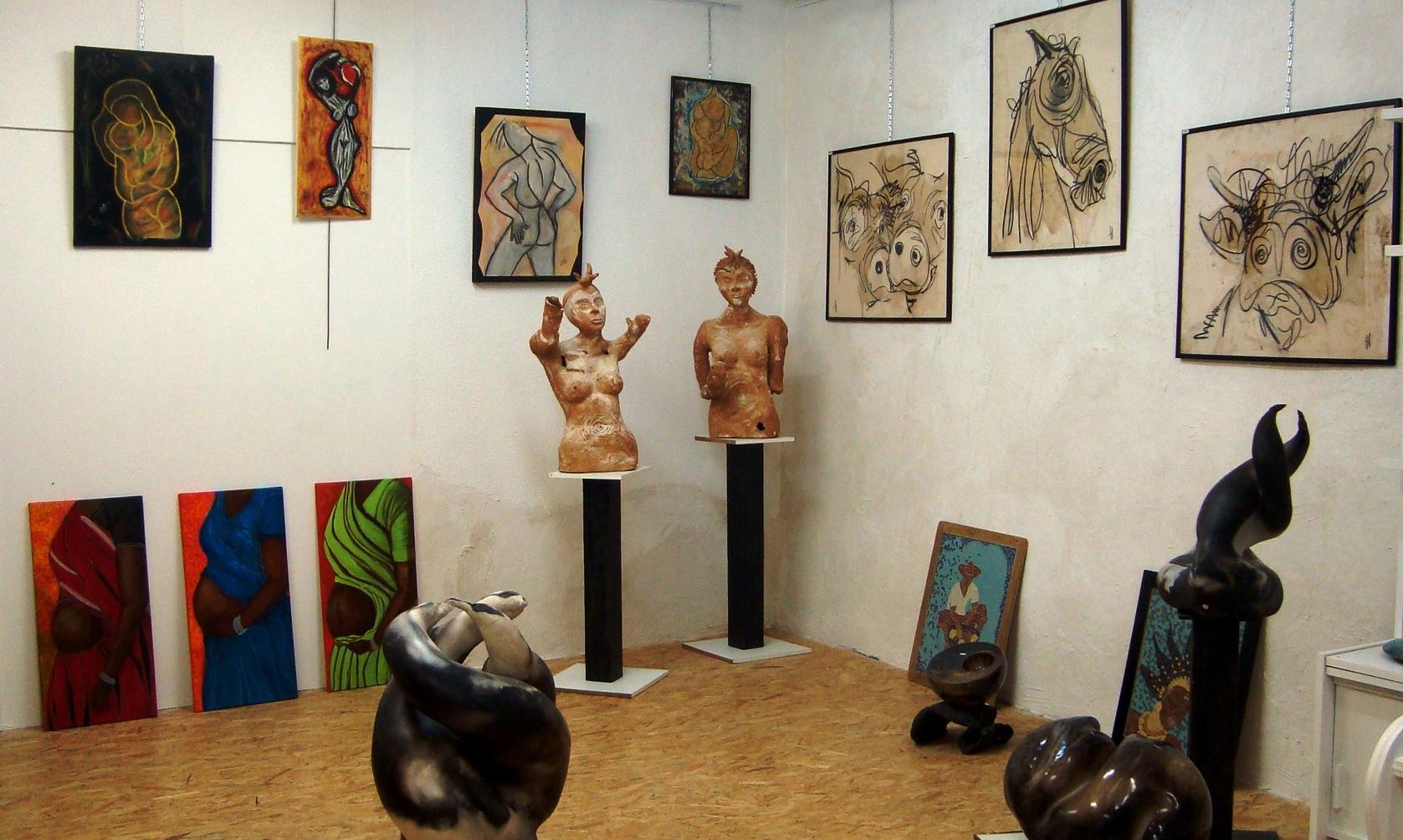 Mes tableaux en bonne compagnie : sculptures d'Agnès C