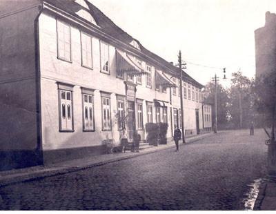 Eine Ansicht der Front um 1910.