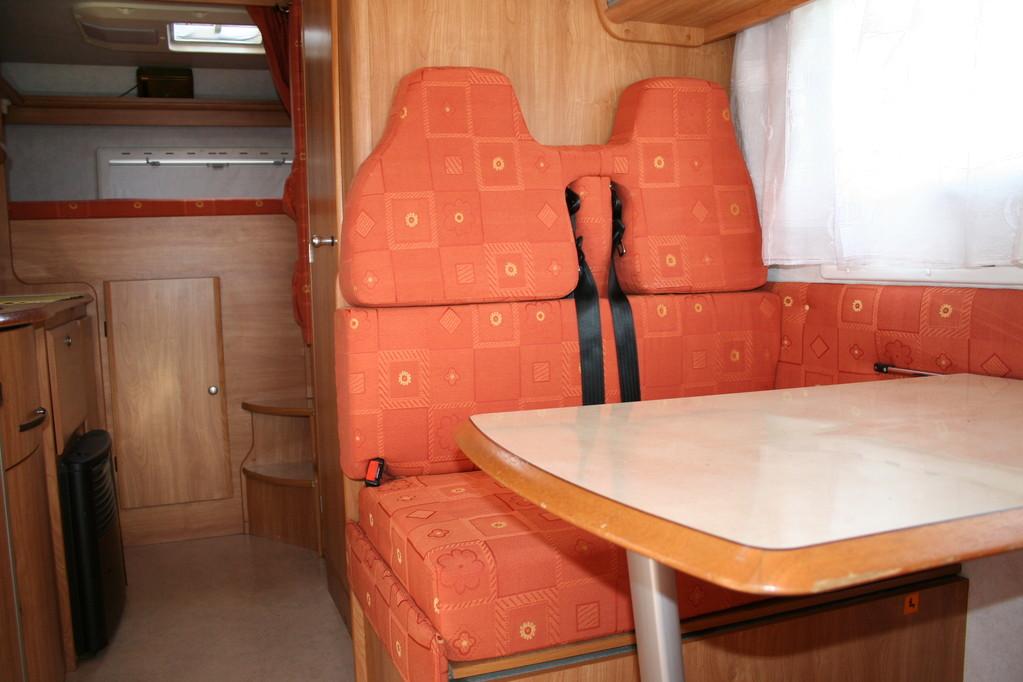 Cuscini dinette con poggiatesta ricostruiti e ricoperti con tessuto di cotone camper rimor.. By ballabioiltappezziere.com