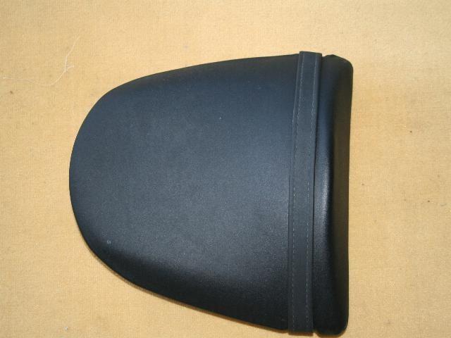 Rifacimento rivestimento sella ,antiscivolo nero By ballabioiltappezziere.com