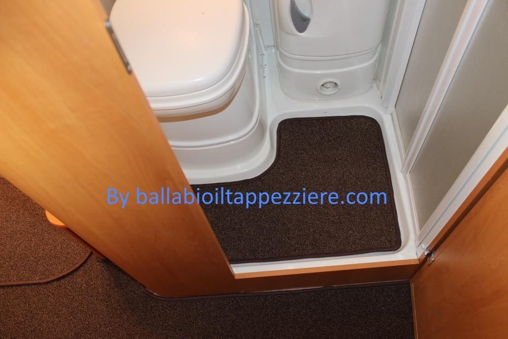 """tappeto camper bagno """"CI""""  ballabioiltappezziere.com"""