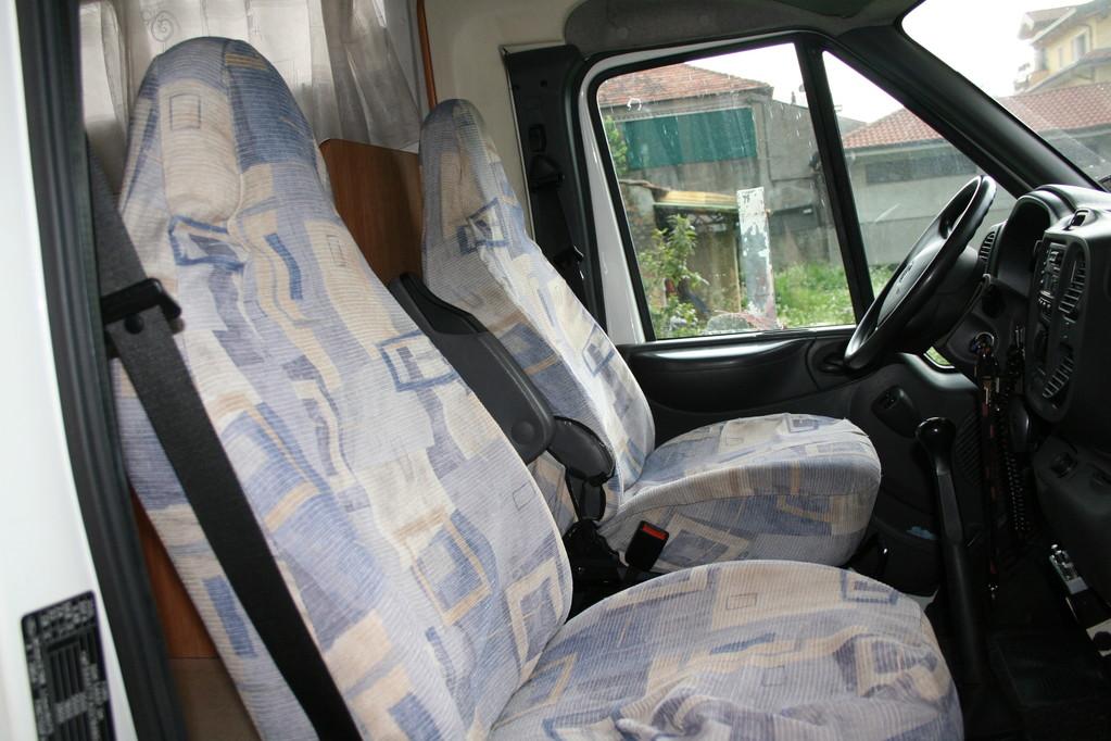 sedili cabina camper rimor con braccioli,fodere da rifare. By ballabioiltappezziere.com