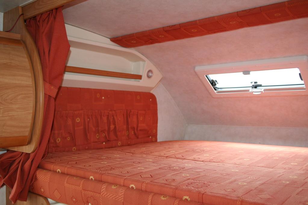 Cuscino mansarda camper rimor  sostituito il rivestimento. By ballabioiltappezziere.com
