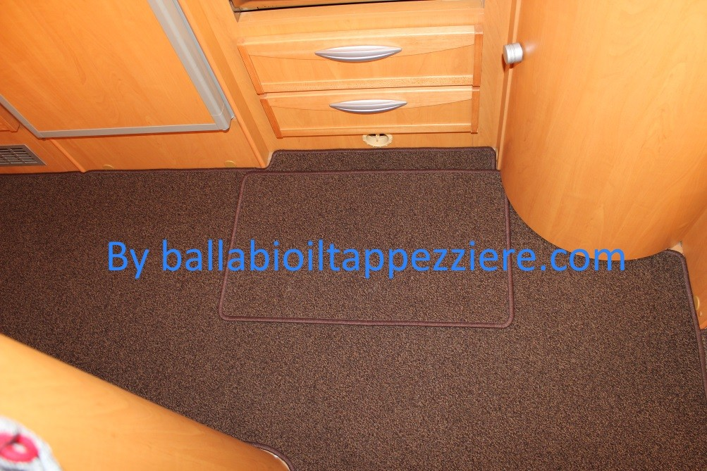 """tappeto cellula con tappeto cucina """"CI""""  ballabioiltappezziere.com"""