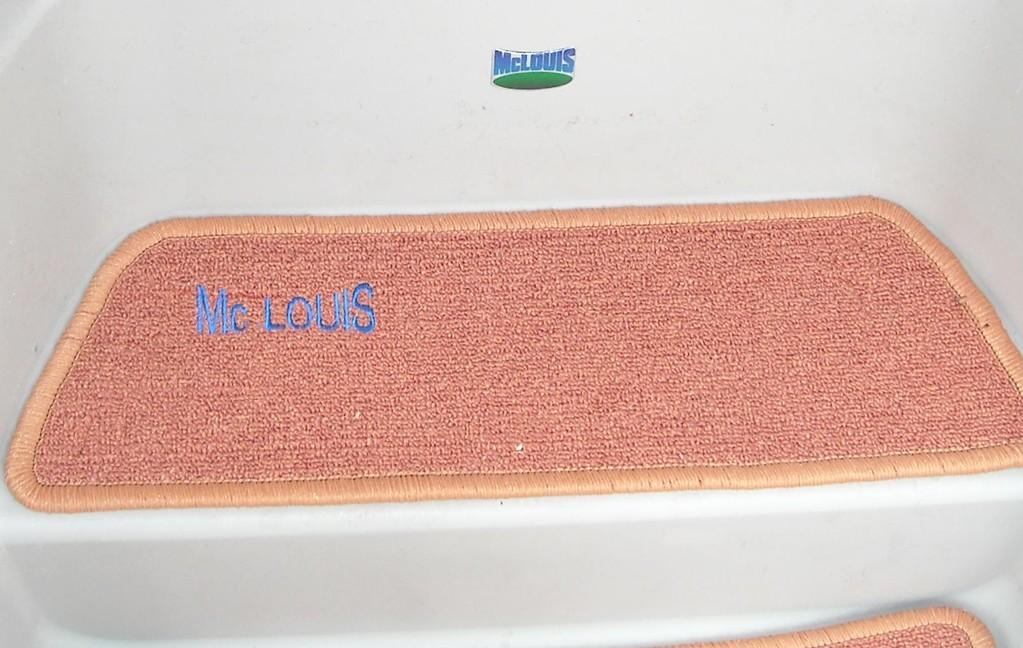 Tappeto cellula  camper Mc Louis - particolare tappeti gradini con ricamo By ballabioiltappezziere.it