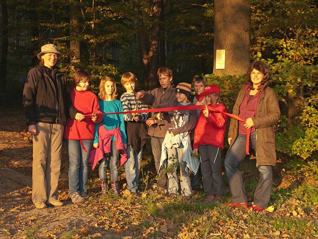 Einweihung des Waldlehrpfades. - Foto: Kathy Büscher