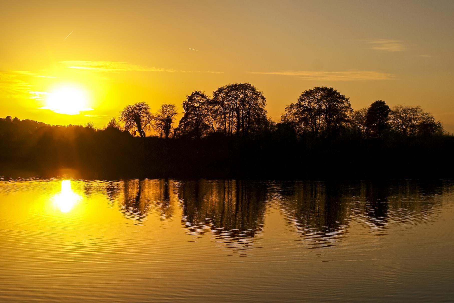 Sonnenuntergang am östlichen Teich.