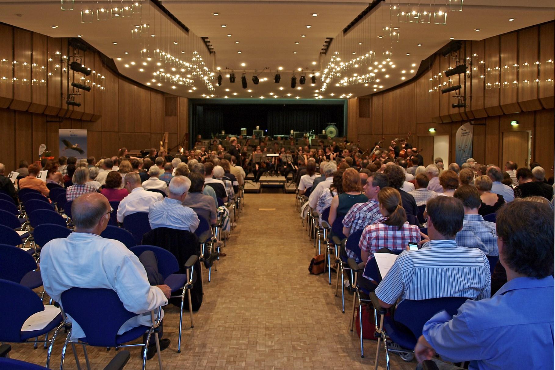 Viele Zuhörer waren zu Gast im Brückentorsaal. - Foto: Kathy Büscher