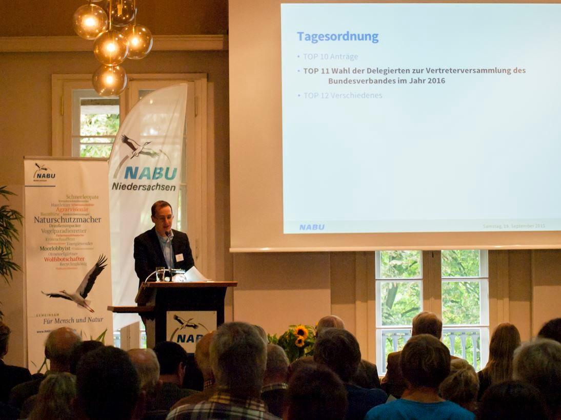 Bericht von Dr. Nick Büscher auf der Landesvertreterversammlung. - Foto: Kathy Büscher