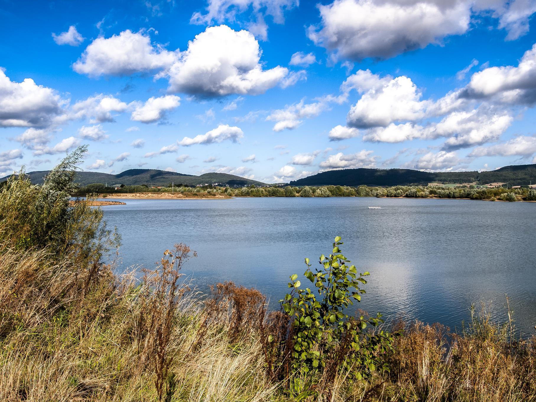 Wolken über dem westlichen Teich.
