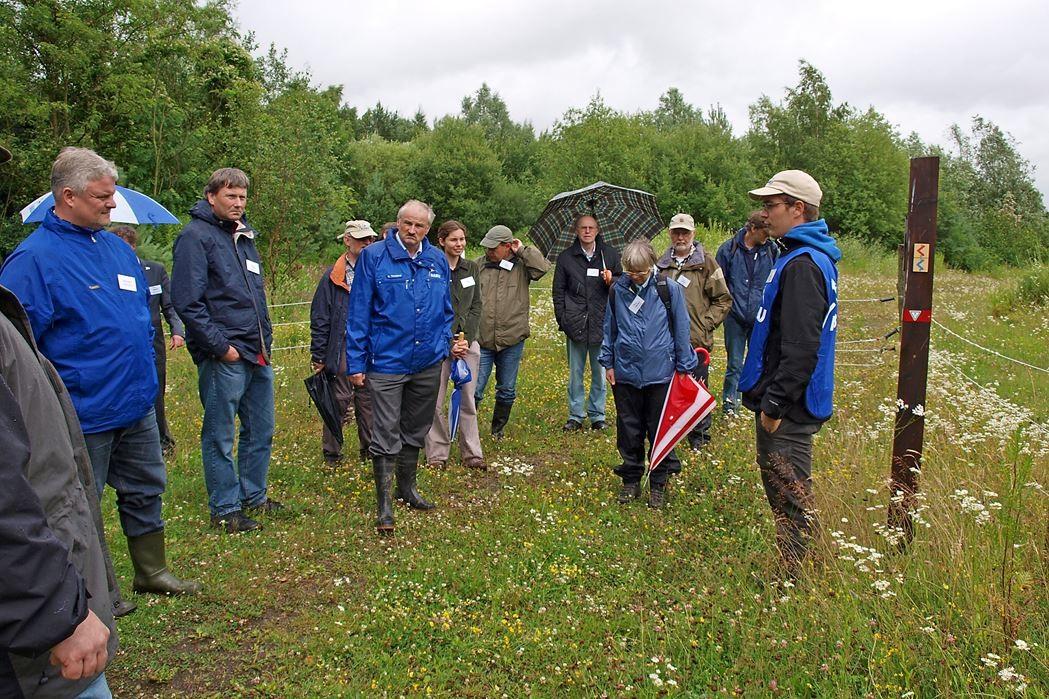 Exkursion zu den Gelbbauchunken im Steinbruch Liekwegen. - Foto: Kathy Büscher