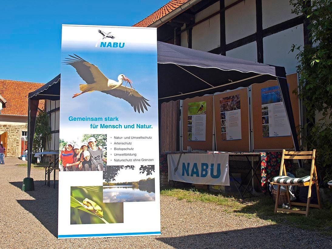 Beteiligung am Info-Stand auf Remeringhausen 2011. - Foto: Kathy Büscher