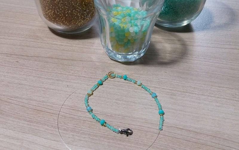 Bevorzugt TUTO DIY bracelet pompons - Les Ateliers de Laurène, ateliers  NV93