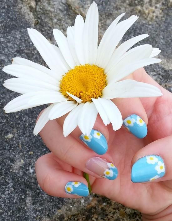 nail-art-paquerettes-LesAteliersDeLaurene
