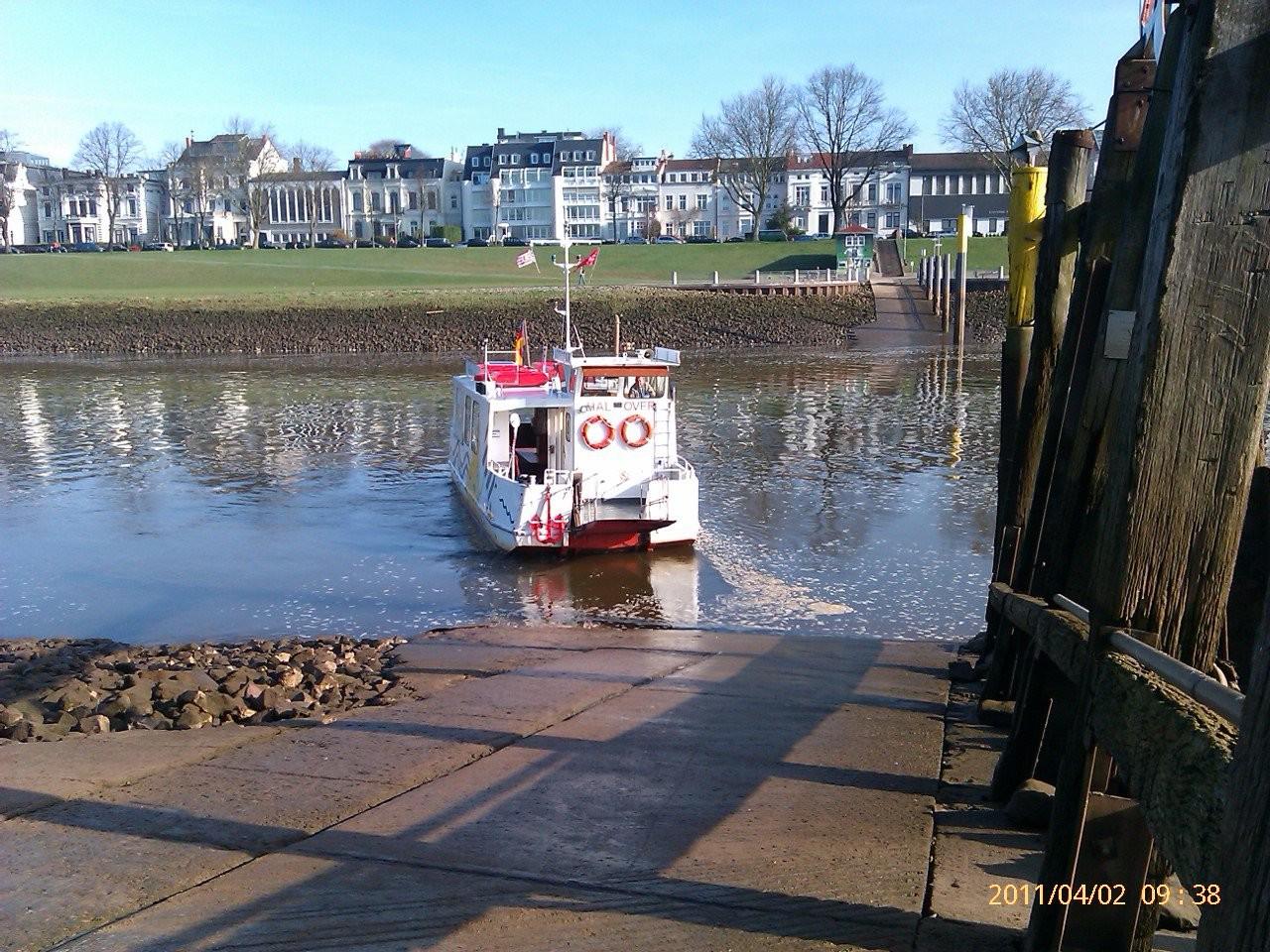 Fähre an der Weser