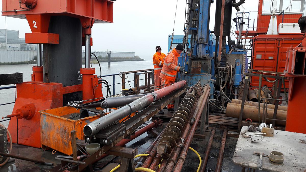 Tiefwasserliegeplätze Finkenwerder - Bohrüberwachung