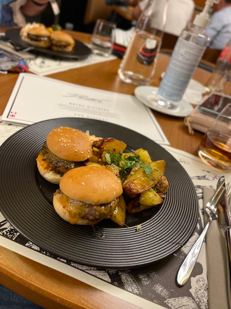 Downtown Restaurant - Mini Burger