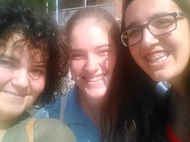 Selfie amb l'equip (d'esquerra a dreta: Mixa, Mauqui i Irene)