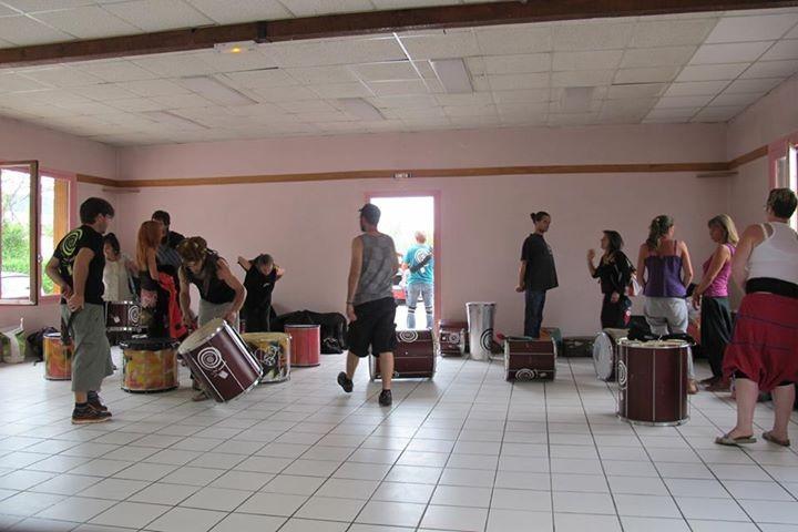Batakoa et Zé Samba répètent ensemble dans la salle rose de Gap