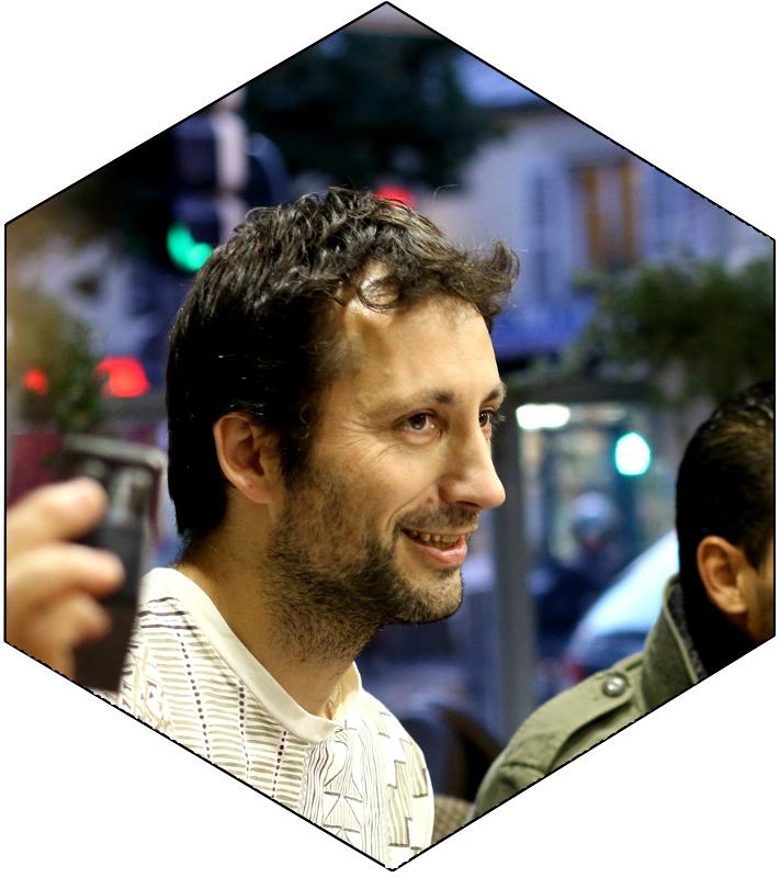 Olivier - Zé depuis 2010 - Pandeiro - Guitare - Cavac - Chant - Rebolo - Agogo - Triangle
