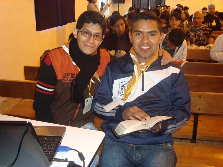 Junto con Roberto Bermeo