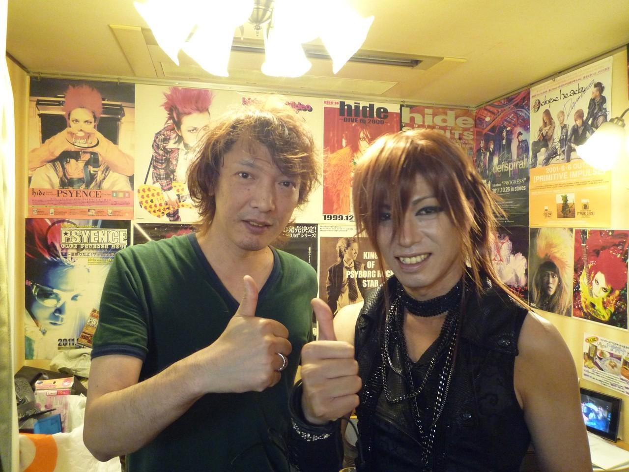 木村世治さんと記念撮影☆初対面の僕にとっても優しくあたたかく接してくださいました!最高に楽しいライヴをありがとうございました♪
