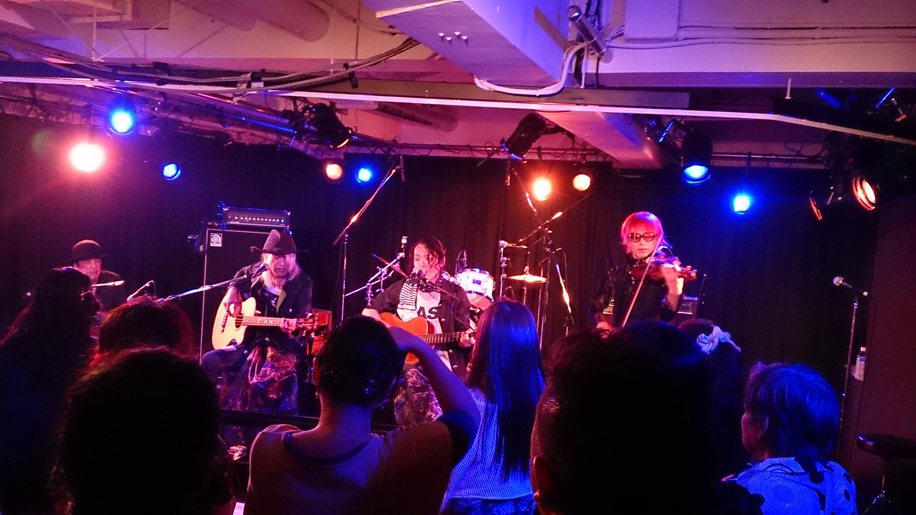 dead pan brothersさんのステージ写真(^-^)
