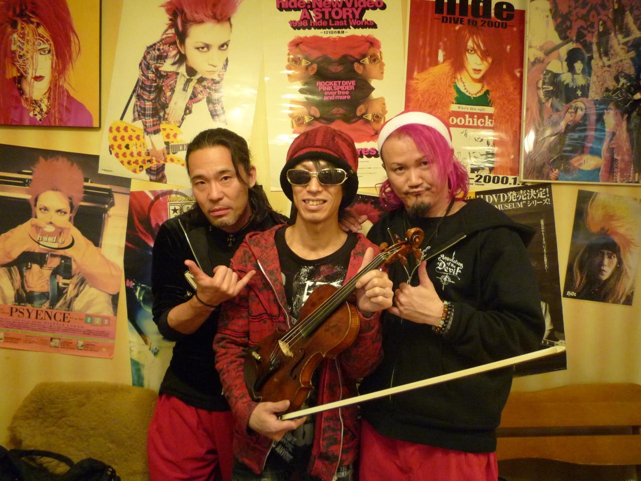 ライヴ終了後♪ Chirolynさん、Ryojiさんと記念写真☆一緒にセッションしてくださり本当にありがとうございました!