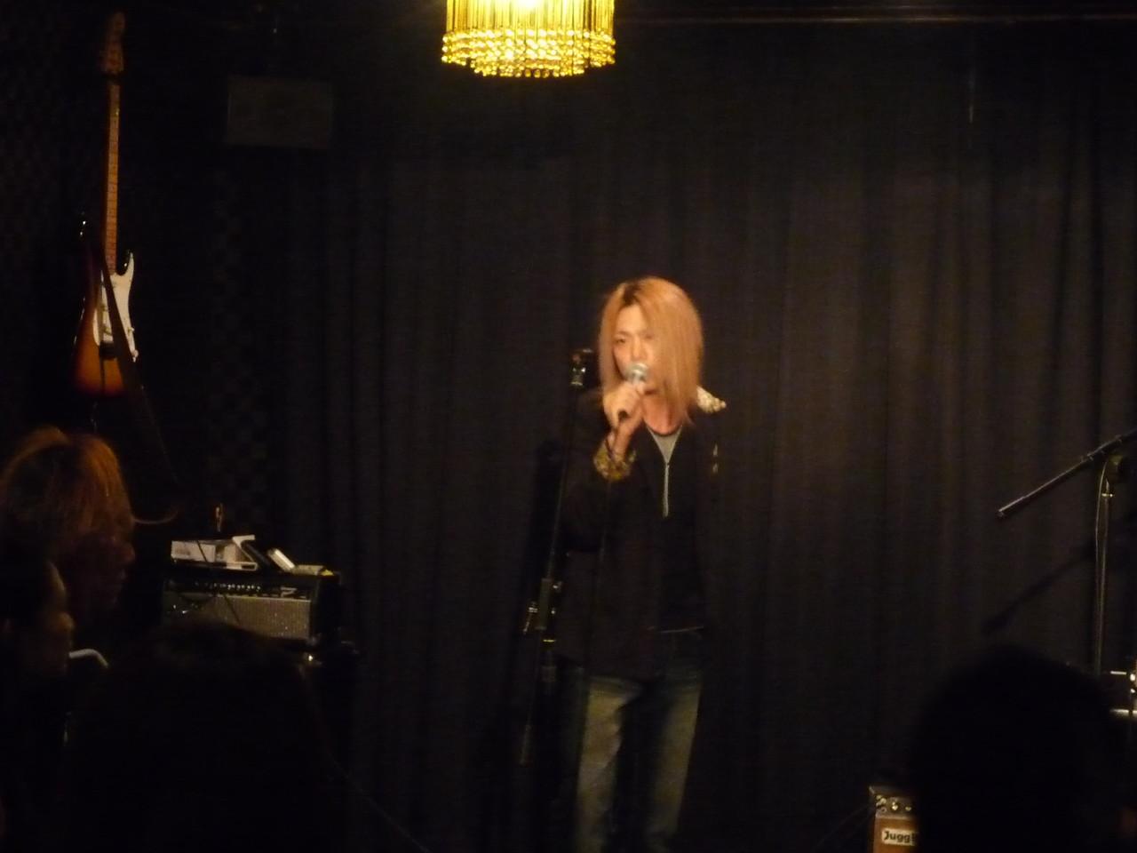 YUSHI(X-HIROSHIMA)ソロ♪ 迫力ある素晴らしい歌声で会場を盛り上げました♪