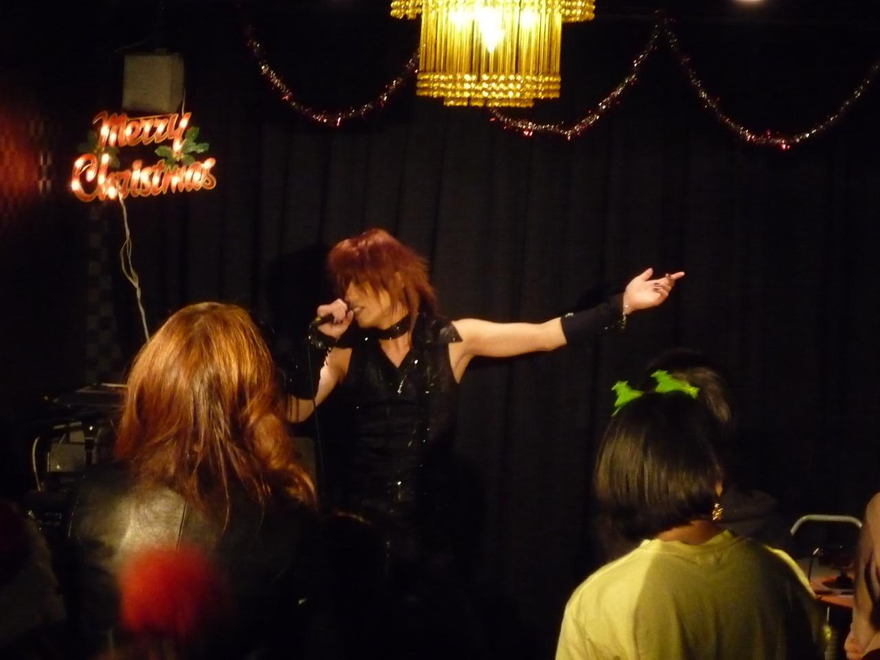 I.V.より…Takeも歌ってるよ~♪