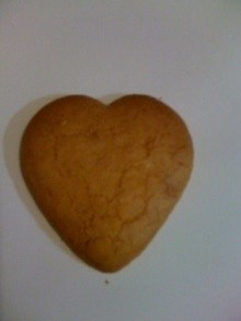 分ち合いの会で出しましたハート型のクッキーです。