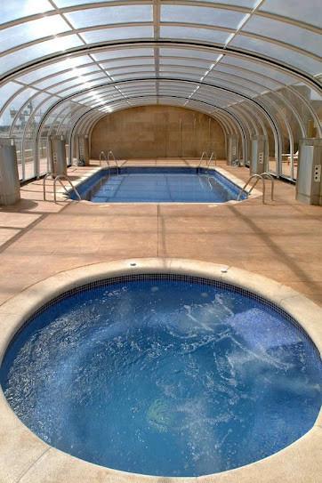 Piscina climatizada y SPA gratuito alojados en Hotel