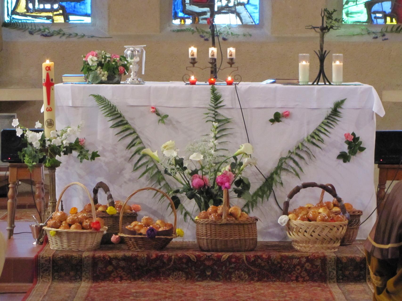 L'autel décoré pour la fête du pain2013