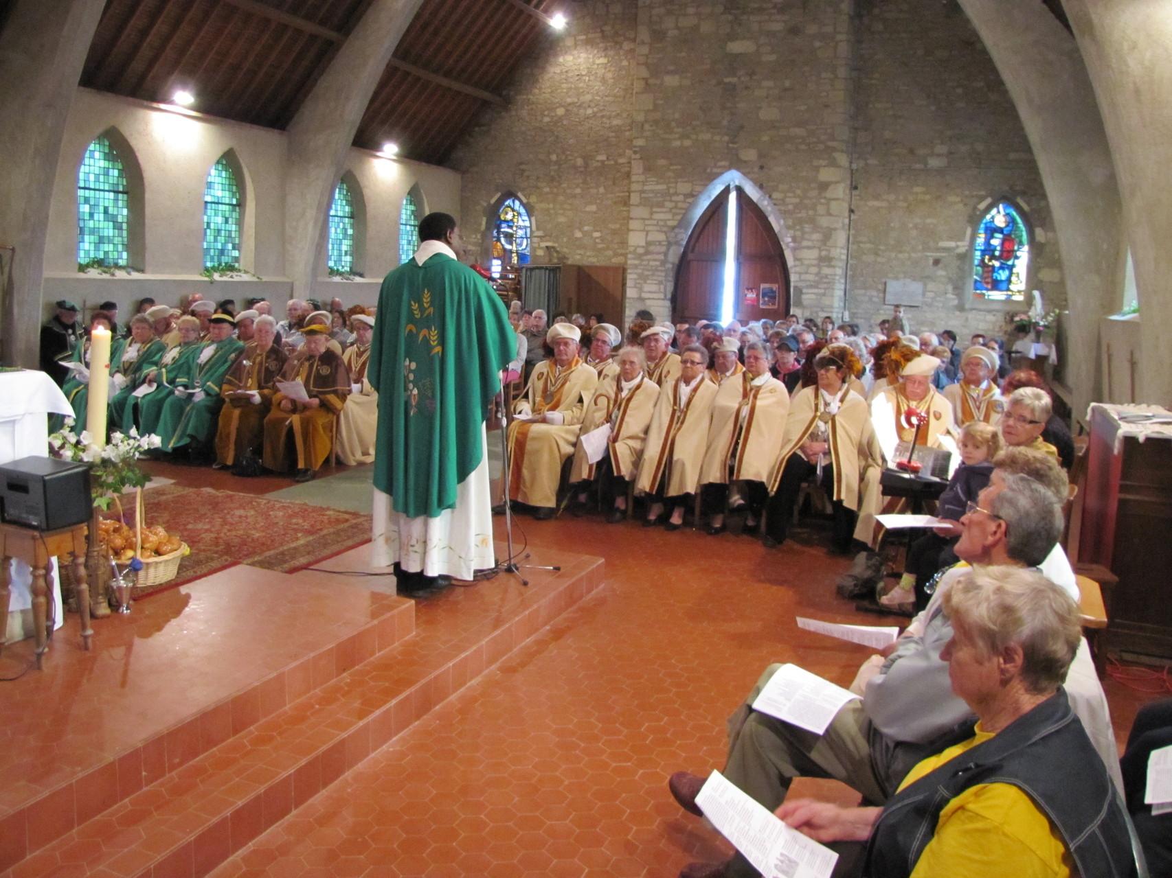 La messe avec les confréries (Fête du pain)2013