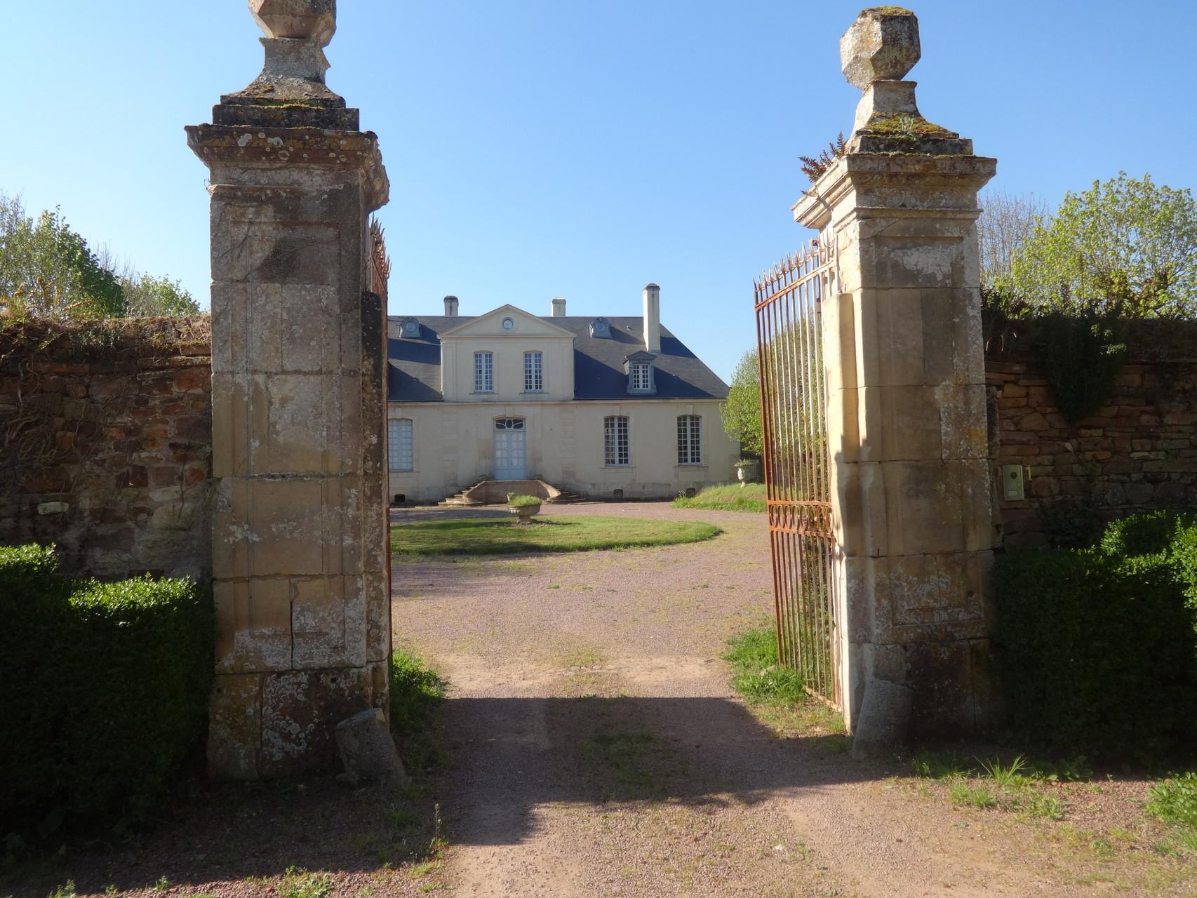 chateau de Feuguerolles