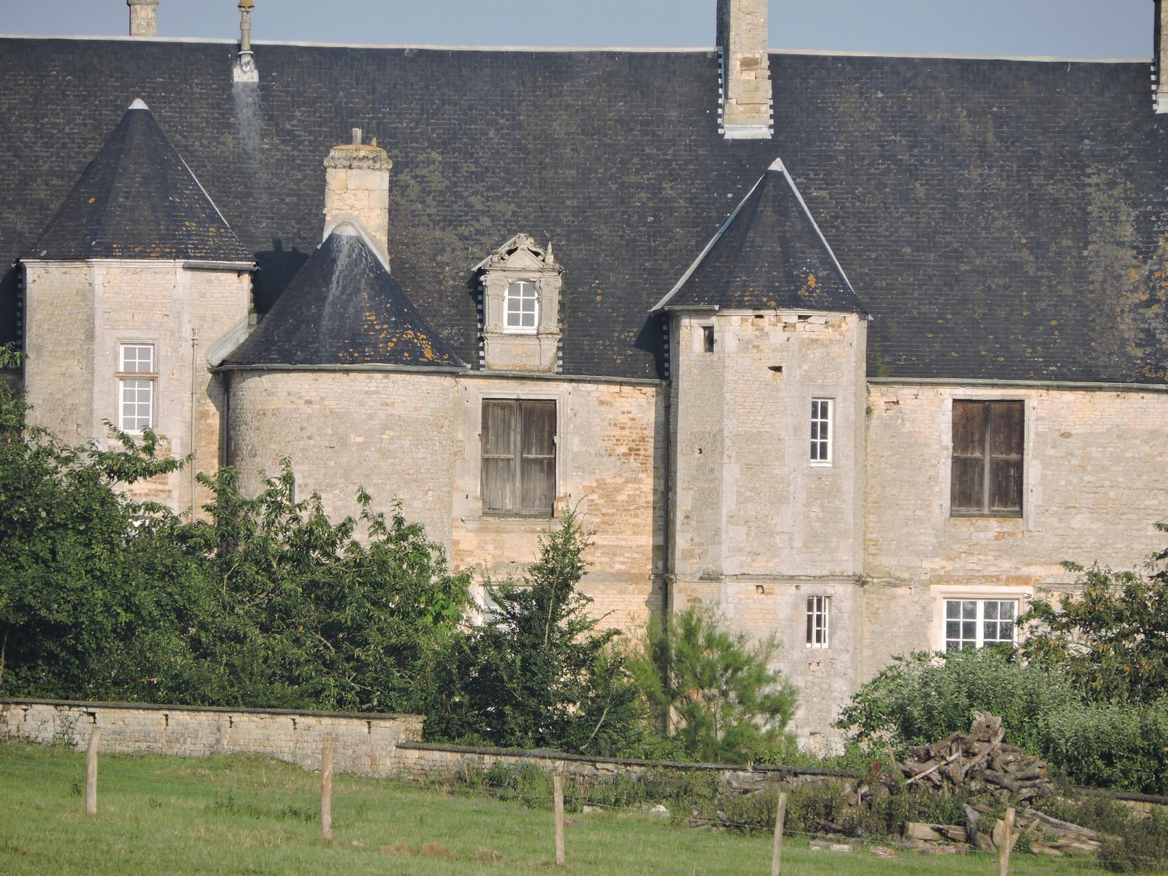 Chateau de Fierville (propriété privée) coté jardin