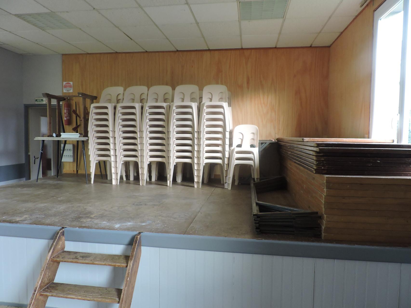 Les tables et les chaises
