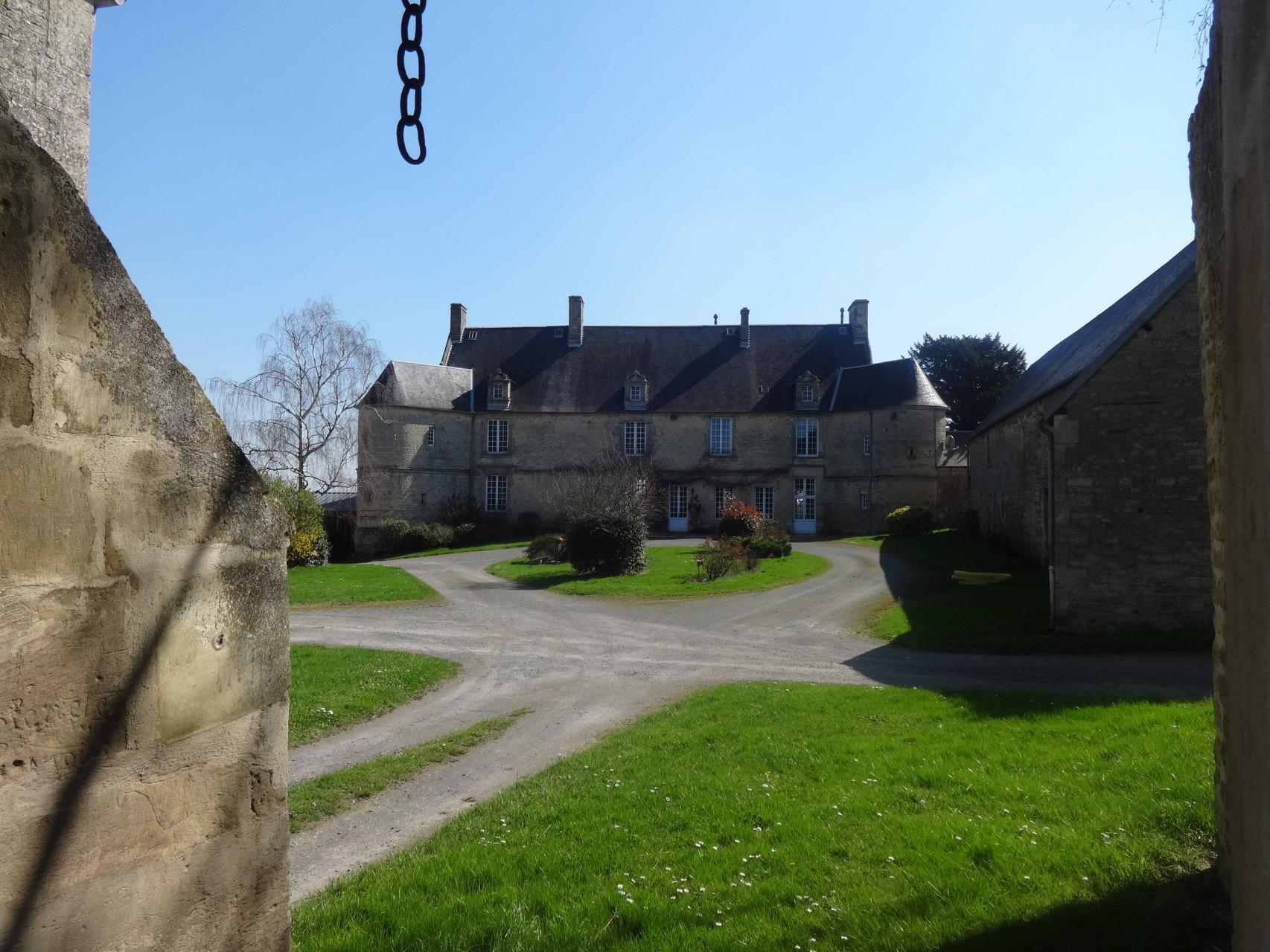 Le Manoir de Fierville (propriété privée)
