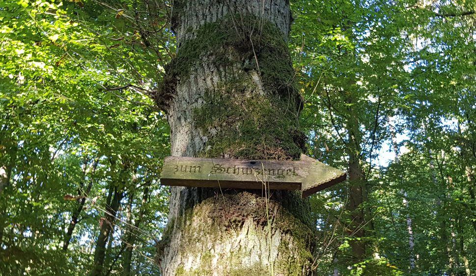 Wegweiser zum Schutzengel der Gemeinde Irmtraut