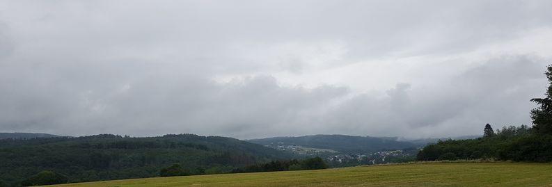 Blick zurück von den Höhen über Limbach nach Streithausen