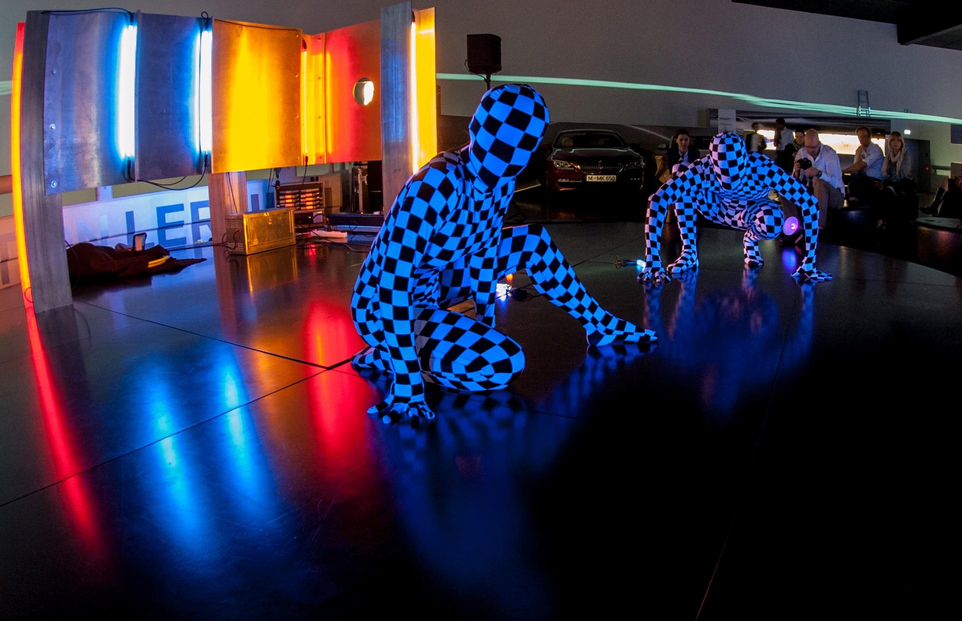 Lichtshow zur Light Night im BMW-Museum München