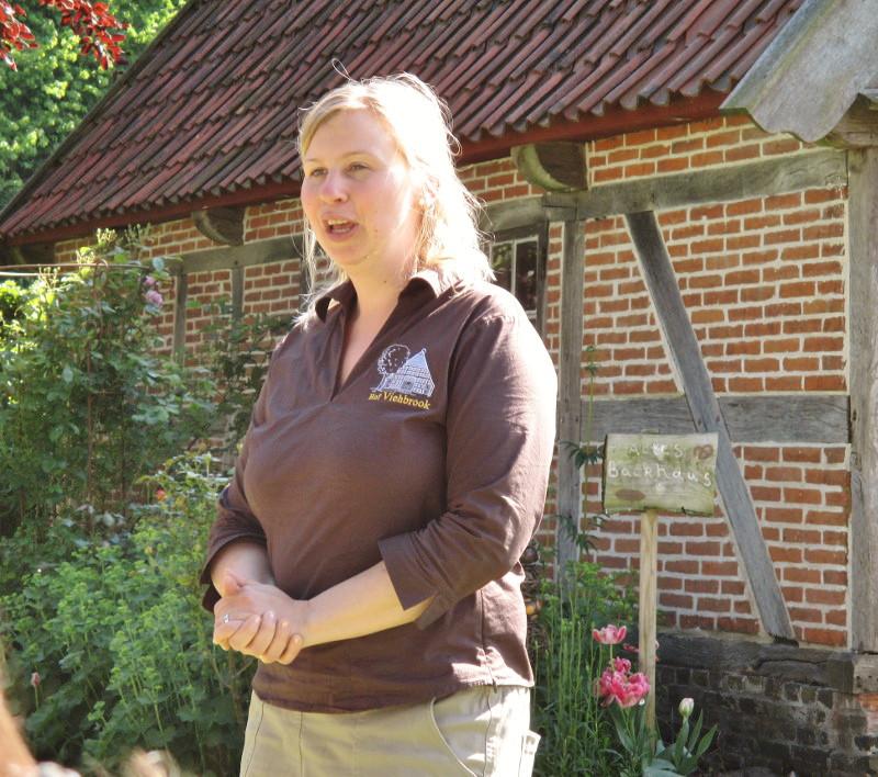 Frau Kirsten Voß-Rahe erzählt