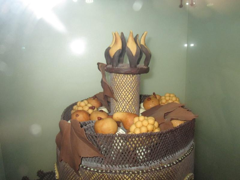 Obst aus Marzipan und Schokolade