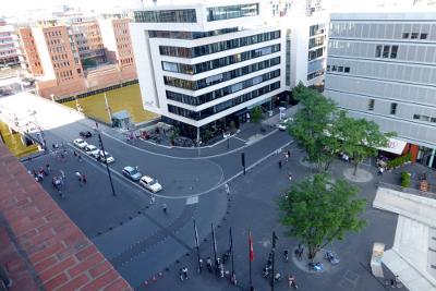 Blicke von der Plaza