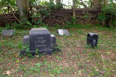Grabsteine der Familie