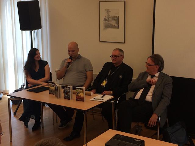 Von links: Madeleine Puljic, Kai Hirdt, Ralf Boldt und Hermann Ritter. Foto: Martin Ingenhoven