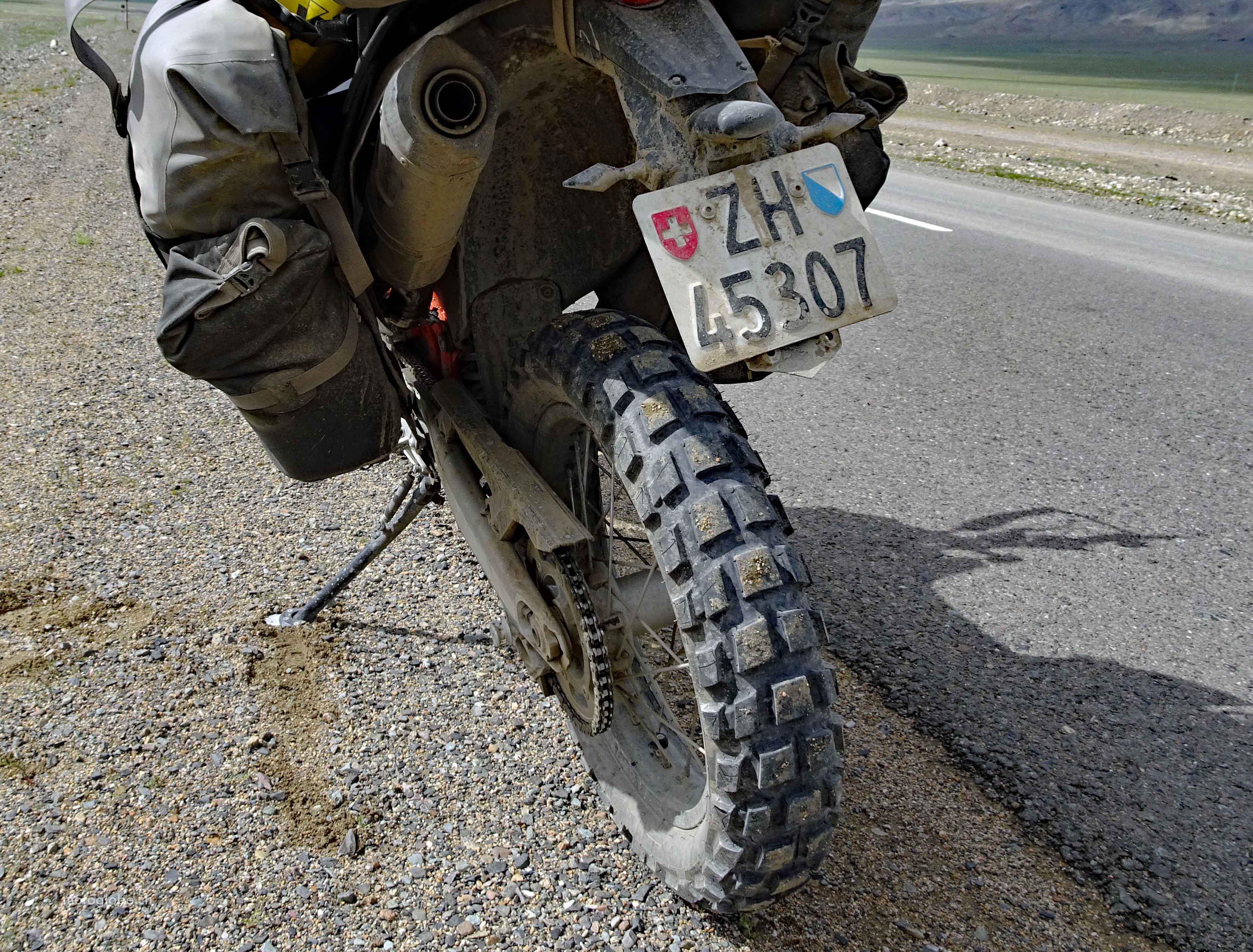 5 Std. für den Grenzübertritt. Lag es vielleicht am dreckigen Motorrad? Nein.